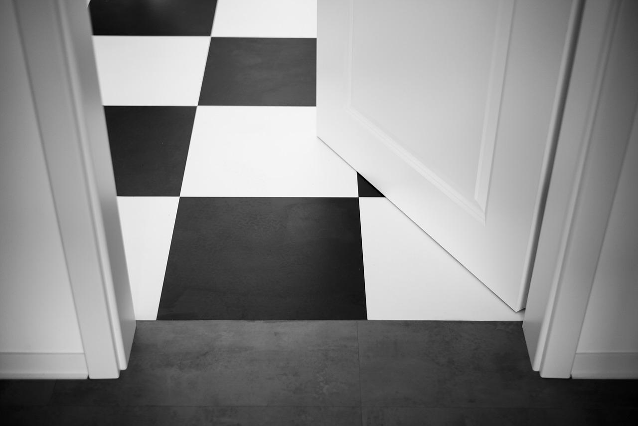 דלת לחדר שרות