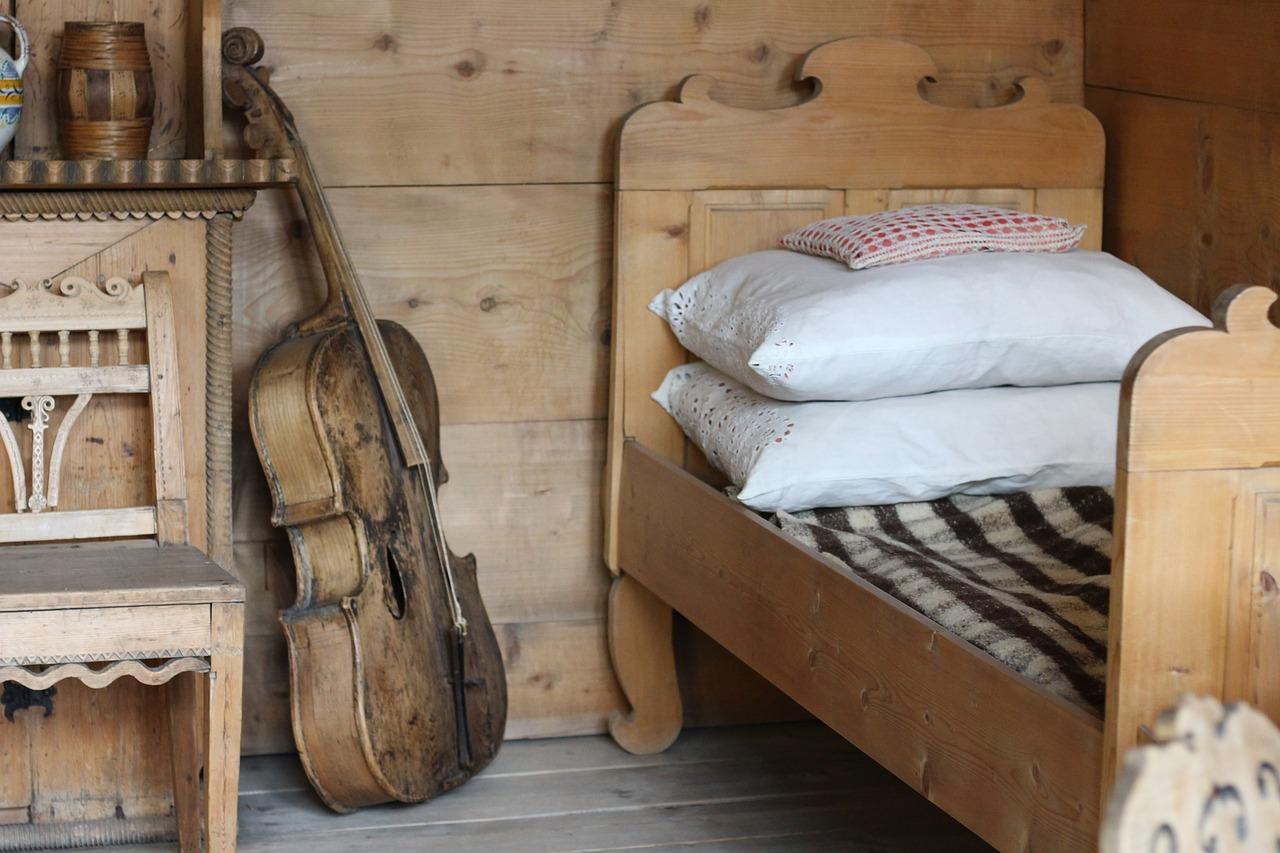 מיטות מעבר לילדים מעץ מלא